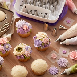 wilton cake decorating sets