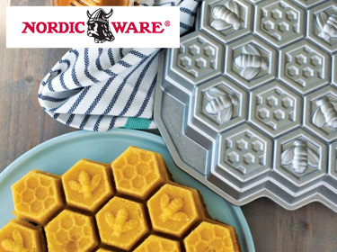 Nordic Ware Honeycomb Cake Pan